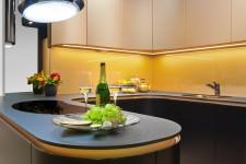 kuhinja-zlatno-crna-ver2-4fb